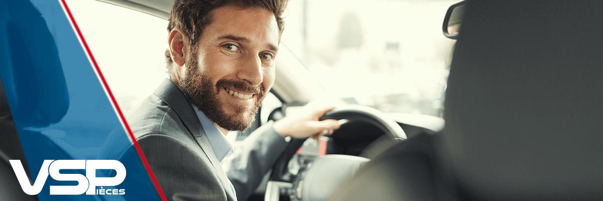 Choisir son contrat d'assurance pour sa voiture sans permis
